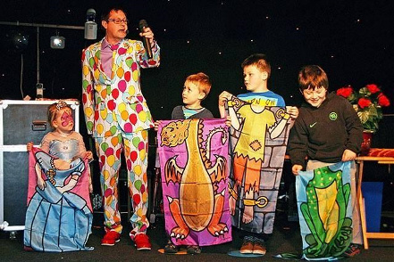Darren Lee, Entertaining Children on stage at a recent children's party